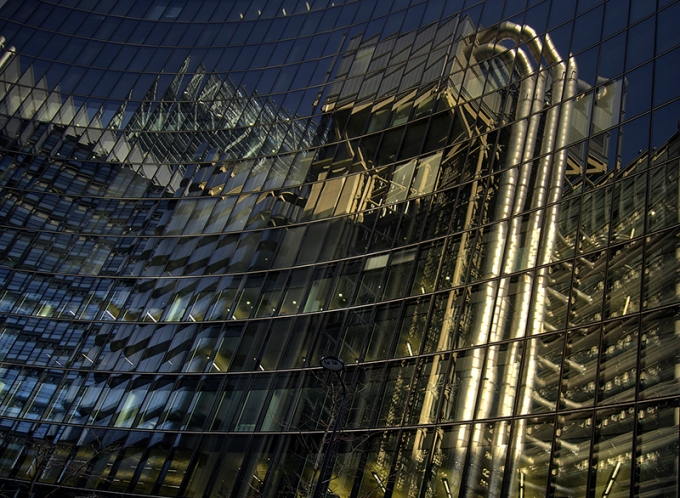 Reflection of Lloyds building
