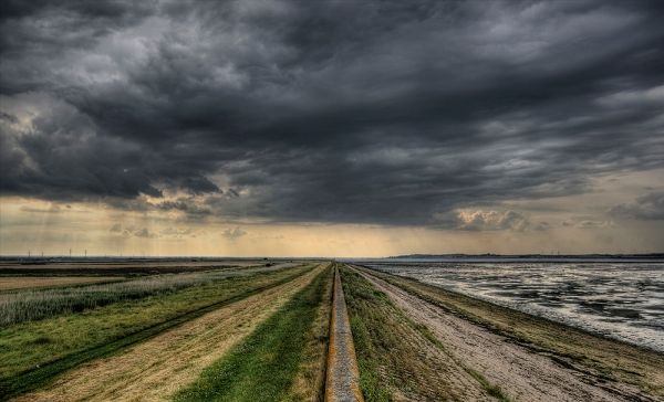 Seasalter before the thunderstorm
