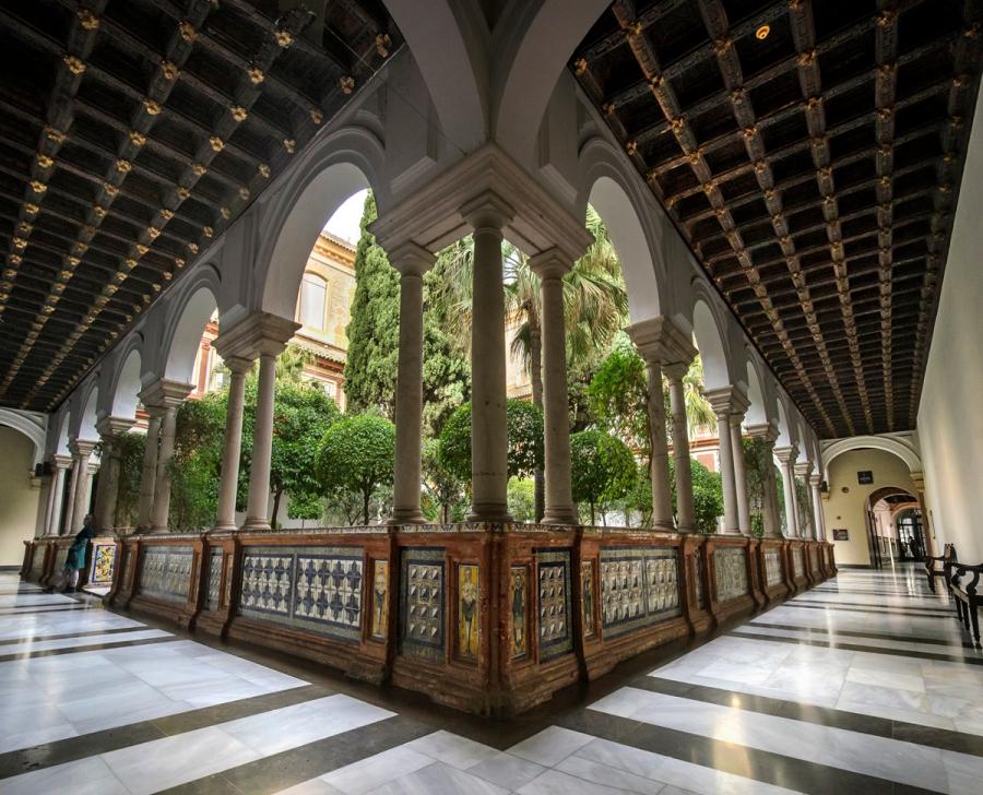 MuseumCorridor-1